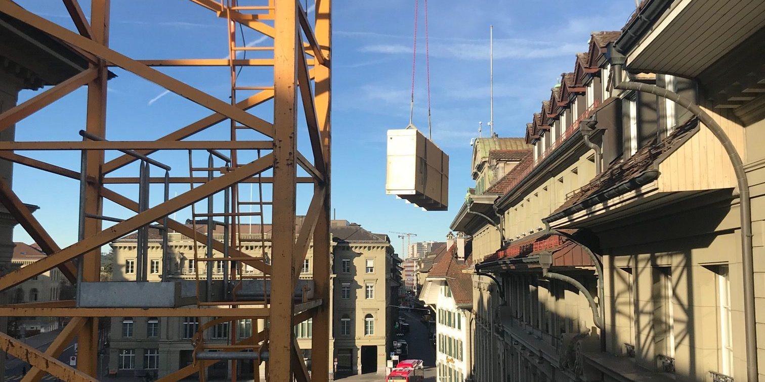 Kiste über Bundesplatz